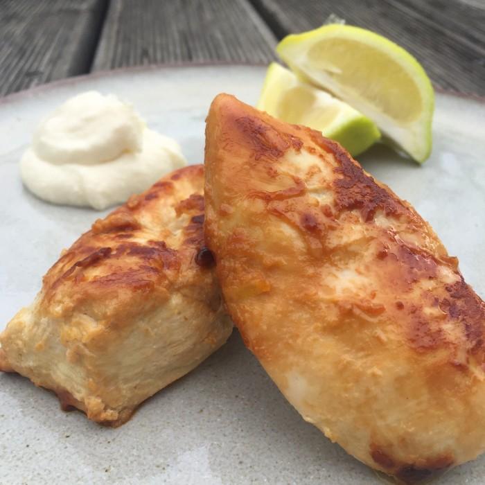 Hühnerfilet-mariniert-mit-Knoblauch-und-Zitrone