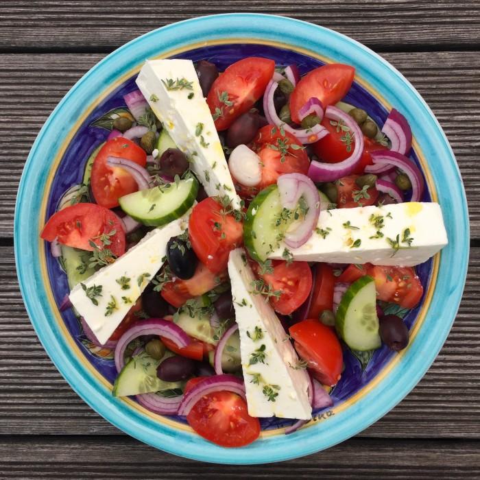 Sardinen-in-Thymian-Zitronenmarinade-gebraten-und-Griechischer-Salat-3