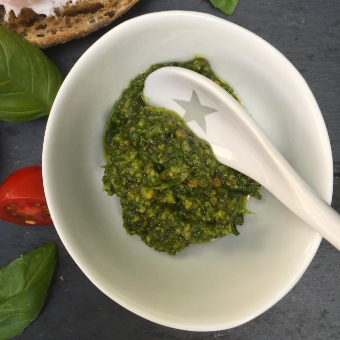 Bruschetta-mit-Ziegenfrischkäse-und-Pistazienpesto-2