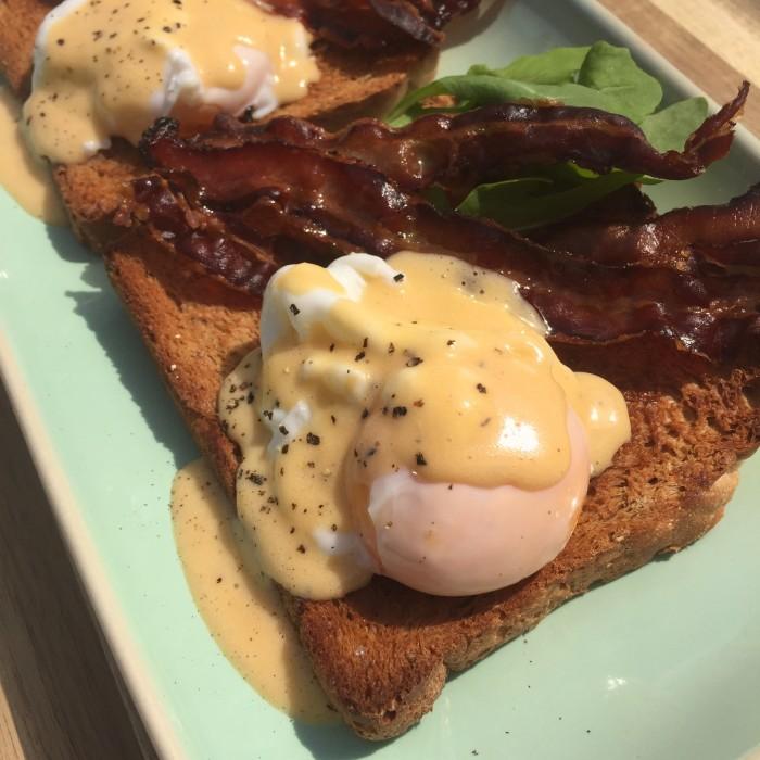 Eggs-Benedict-2
