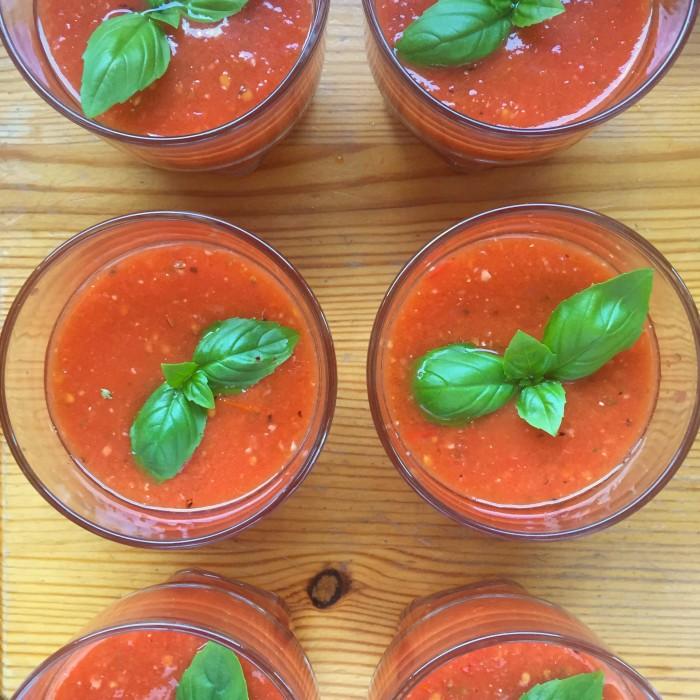 Gekühlte-Wassermelonen-Paradeissuppe-1