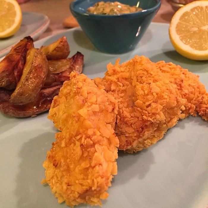 Crispy-chicken-mit-Erdäpfelwedges-und-Remoulade-1
